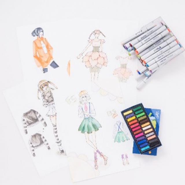 華服飾専門学校 デザイン画製作体験1