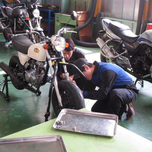 専門学校 越生自動車大学校 体験実習&バイクシュミレーター運転体験2