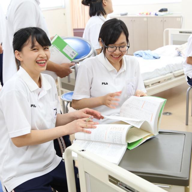 和歌山YMCA国際福祉専門学校 介護レクリエーション!在校生と一緒に体験授業!4