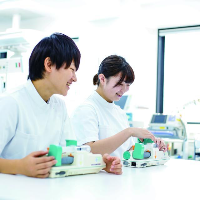 東京医薬専門学校 臨床工学技士が扱う医療機器を操作してみよう!1