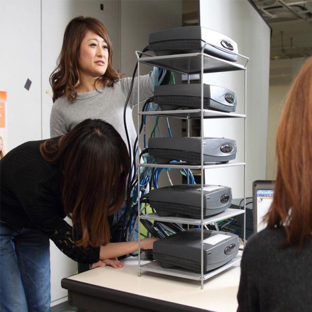 日本コンピュータ専門学校 ネットワーク実機を使てネットワーク構築に挑戦!1