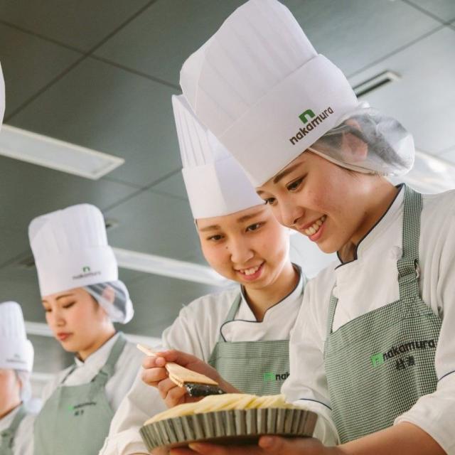 中村調理製菓専門学校 ◆リピーター限定◆ホールケーキに挑戦!苺のシャルロット2