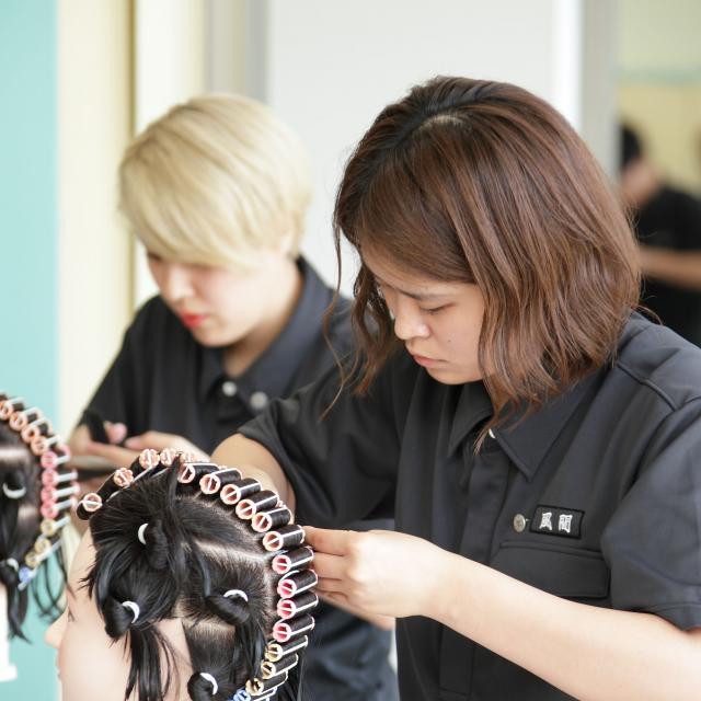 長野理容美容専門学校 いろいろな実習体験できますよ!3