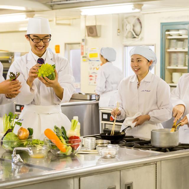 西武学園医学技術専門学校 オープンキャンパス(栄養士科)『地産地消レシピ』4