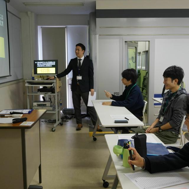 国際トラベル・ホテル・ブライダル専門学校 鉄道クイズに挑戦(^^)鉄道科☆オープンキャンパス1