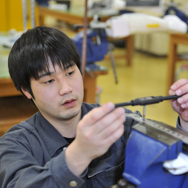 西武学園医学技術専門学校 東京新宿校 オープンキャンパス(義肢装具学科)プラスチック成型って?3