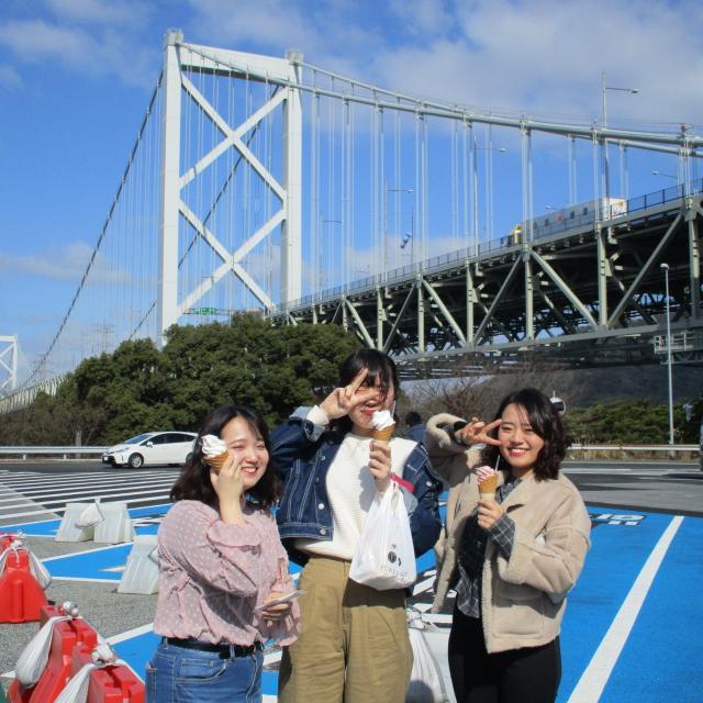 西鉄国際ビジネスカレッジ 夏休み特別企画 オープントップバスで巡る福岡定番スポット4