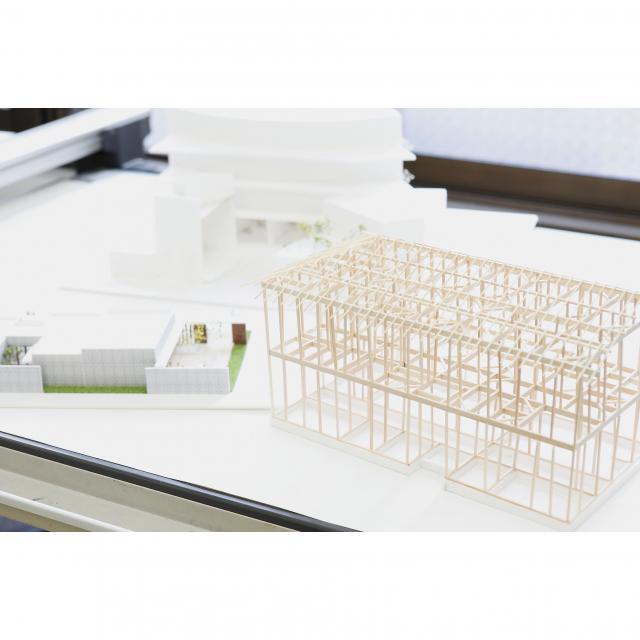 日本理工情報専門学校 体験イベント!「建築模型を作ろう!」2