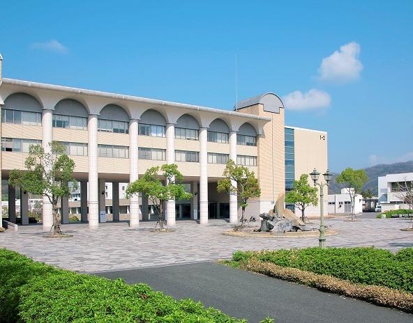 大学 ホームページ 福山