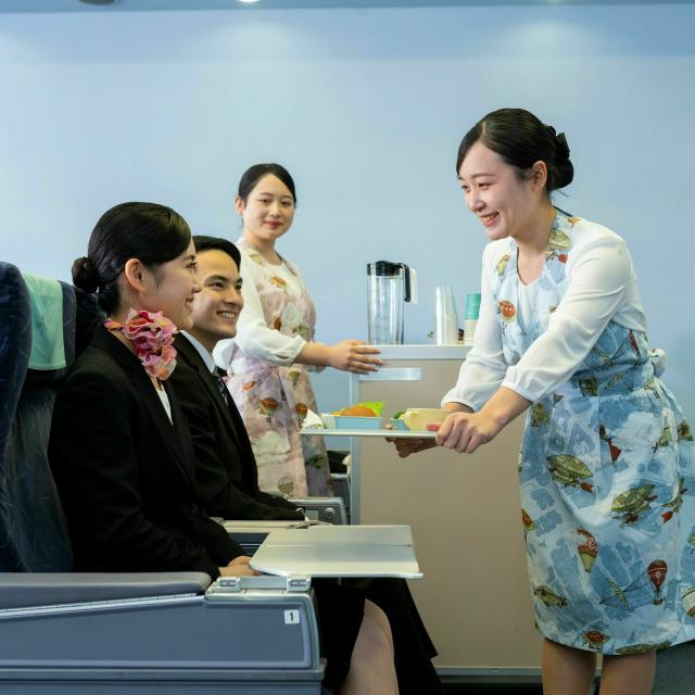 大阪外語専門学校 エアライン 空の仕事フェア1