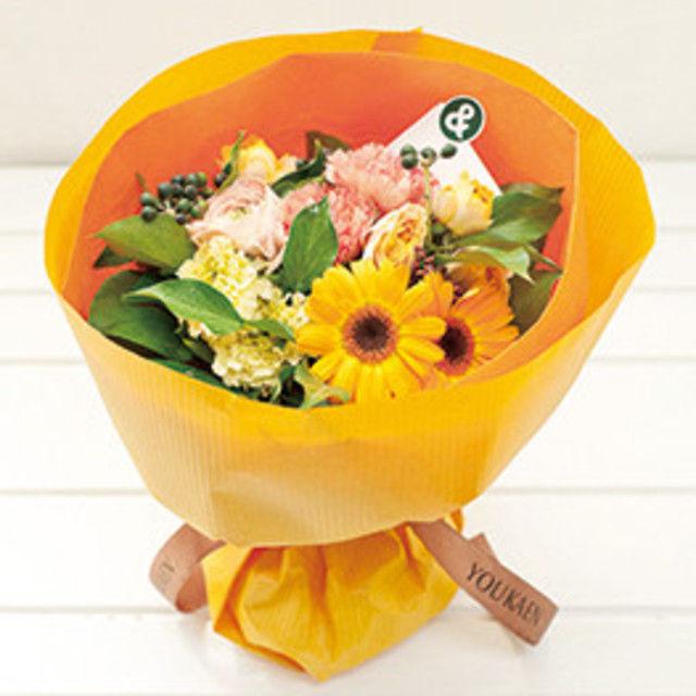 専門学校名古屋ウェディング&フラワー・ビューティ学院 季節のお花をぎゅっと束ねたブーケ風花束作り♪2
