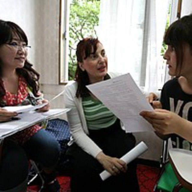 布池外語専門学校 英語で話あい、布池外語を知ろう!1