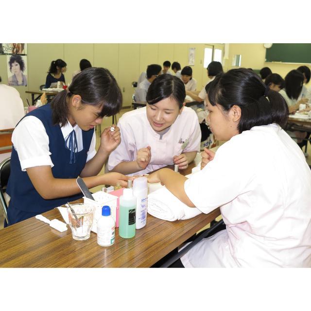 茨城理容美容専門学校 ドライヤーセット&ネイル&エステ&ワインディング(ランチ付)3