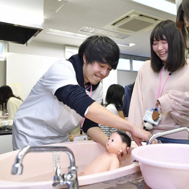 新潟こども医療専門学校 保育園・幼稚園・小学校・保健室の先生を目指す人のための説明会1