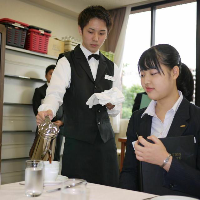 仙台YMCA国際ホテル製菓専門学校 【1・2年生対象】ホテルの仕事は面白い!1