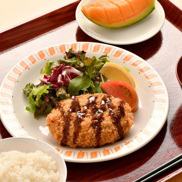 織田栄養専門学校 オフィス給食のランチの献立を作ろう1