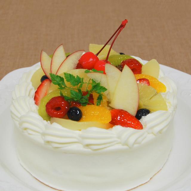 町田製菓専門学校 旬のフルーツたっぷり~夏のフルーツショートケーキ~1