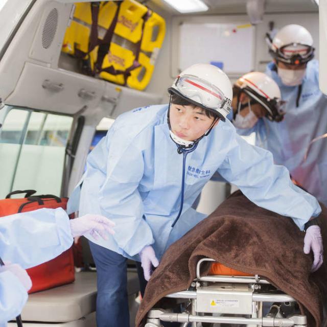 東京医薬専門学校 救急救命士をめざすあなた!救命処置を体験してみよう!2