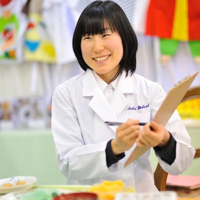 西武学園医学技術専門学校 オープンキャンパス(栄養士科)ロールケーキを作りましょッ2