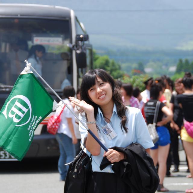 西鉄国際ビジネスカレッジ 夏休み特別企画 オープントップバスで巡る福岡定番スポット2