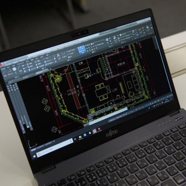 専門学校 東京テクニカルカレッジ 【建築科】世界で一番売れているCADで図面を描いてみよう!1