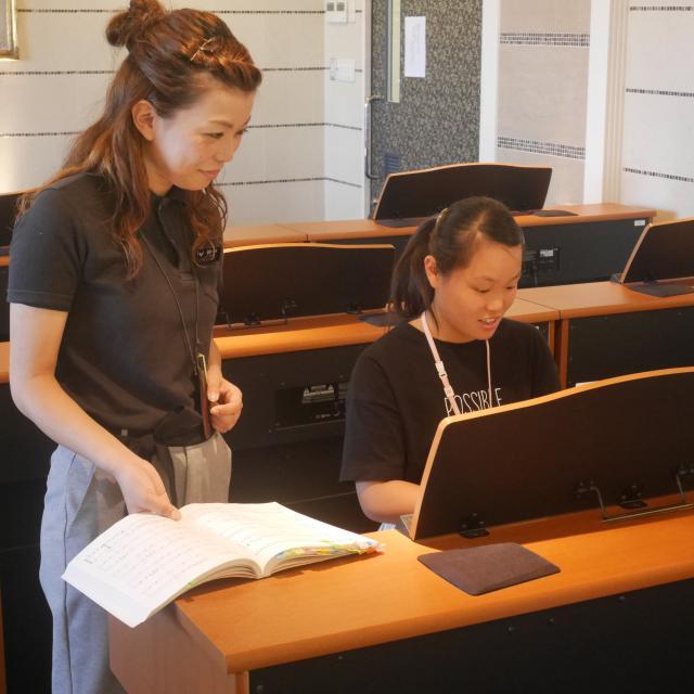 大阪健康ほいく専門学校 1対1レッスン♪ピアノ体験2