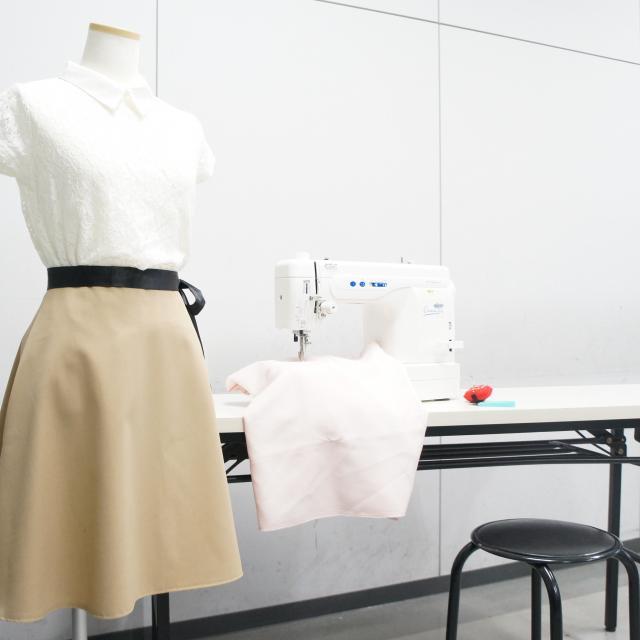 横浜ファッションデザイン専門学校 3月25日26日連続フレアスカート作り1