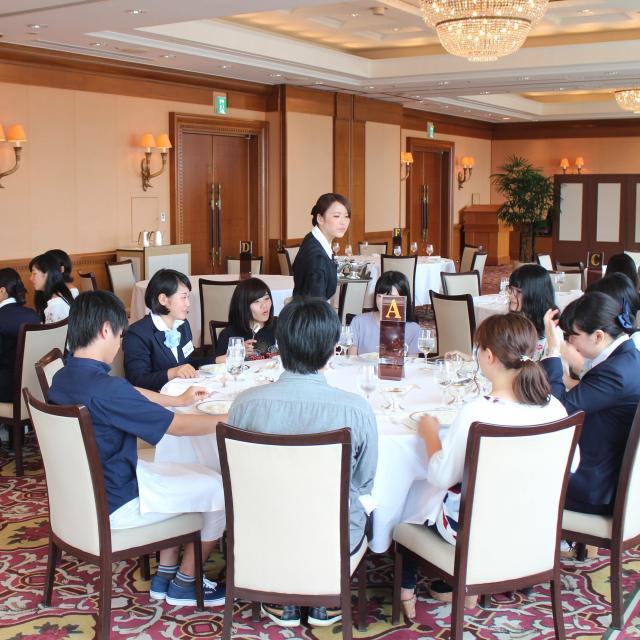 駿台観光&外語ビジネス専門学校 ホテル 仕事見学ツアー1
