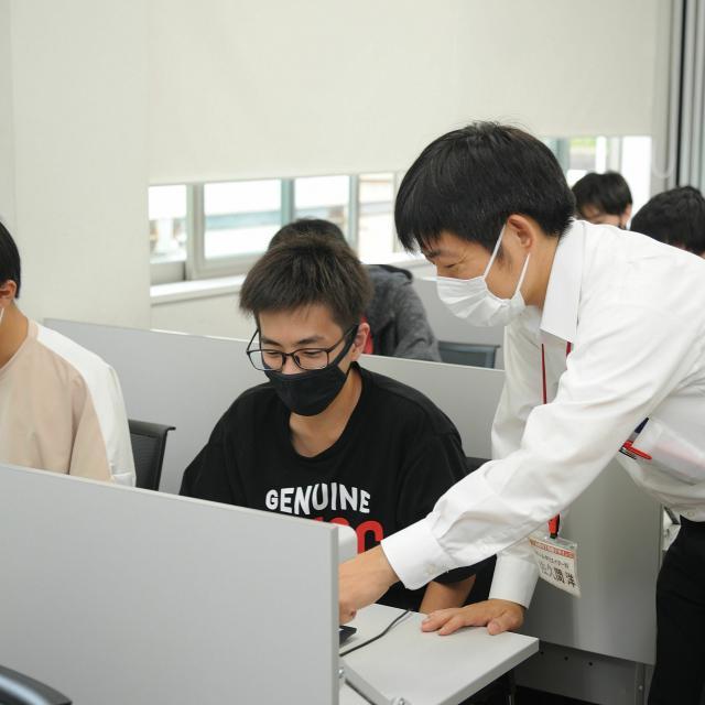 国際理工情報デザイン専門学校 【学校見学会】対象:情報ネットワーク科3