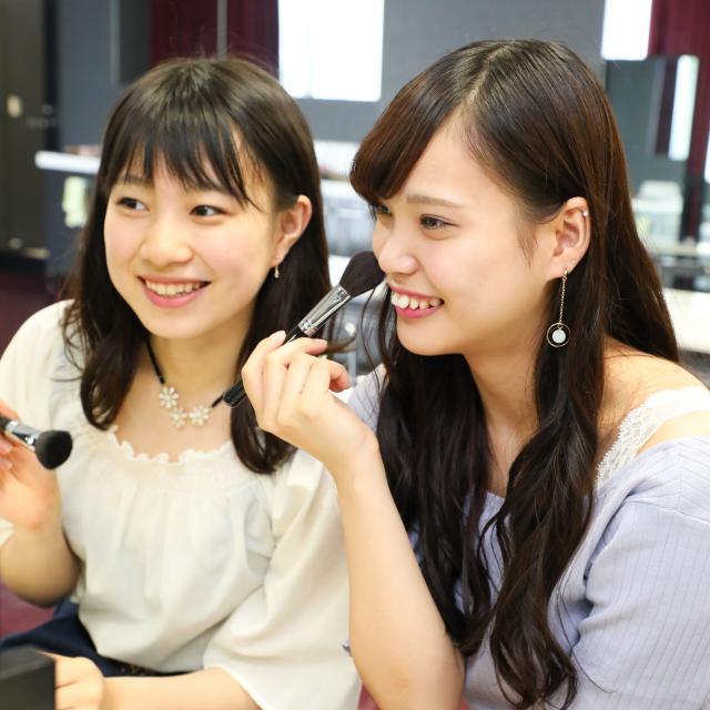 大阪ウェディング&ホテル・観光専門学校 ビューティーフェスタ!1