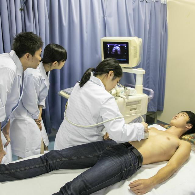 九州医学技術専門学校 「臨床検査科」の体験学習3