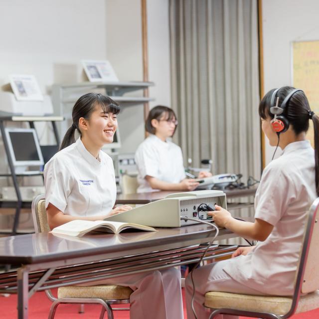 西武学園医学技術専門学校 東京池袋校 夜の学校説明会3