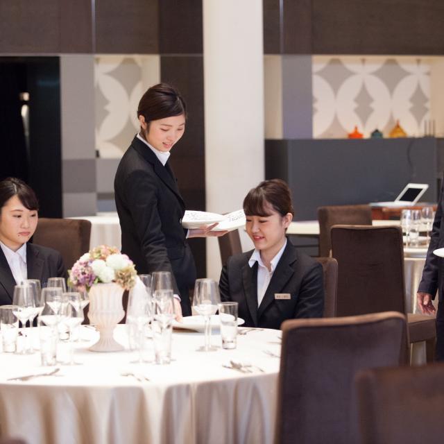 大阪ウェディング&ホテル・観光専門学校 テーマパークホテル体験1