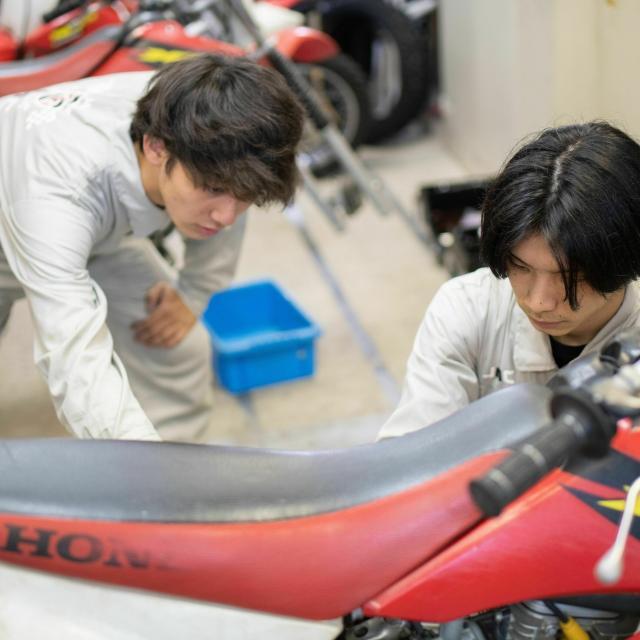 日本モータースポーツ専門学校大阪校 バイクを触ってみよう!【二輪レースメカニックコース】2