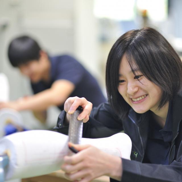 西武学園医学技術専門学校 東京新宿校 オープンキャンパス(義肢装具学科) 人工足を使った採型3