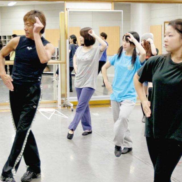 尚美ミュージックカレッジ専門学校 【ミュージカル学科】ヴォーカル・ダンスのレッスン体験しよう2
