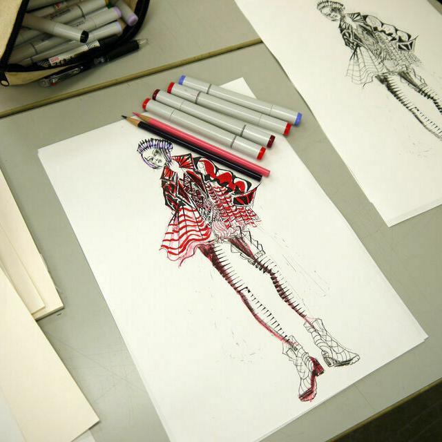 専門学校 武蔵野ファッションカレッジ 【初心者でも大歓迎】ファッションデザイン画 体験2