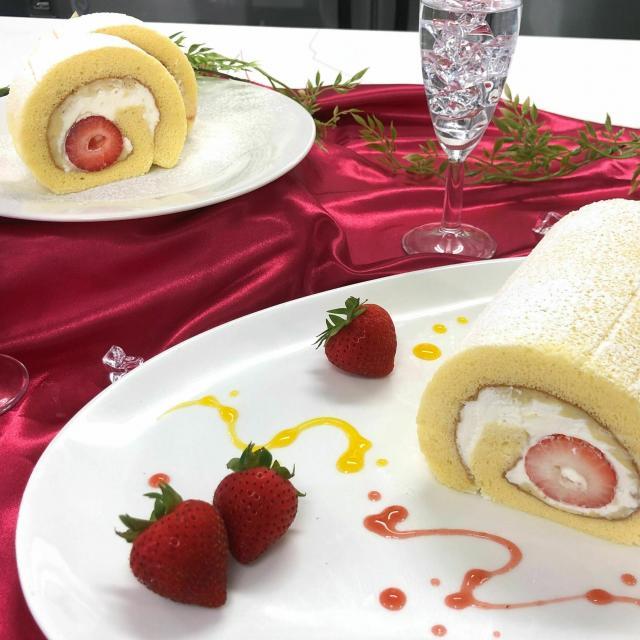 華調理製菓専門学校 季節のロールケーキ&メロンパン1