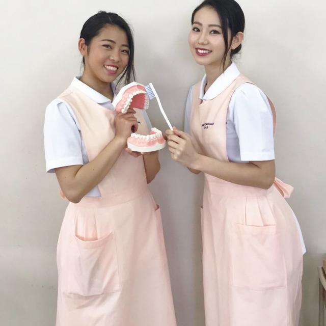 新横浜歯科衛生士専門学校 <高校1年生・2年生対象> デンタルアクセサリー作り体験1