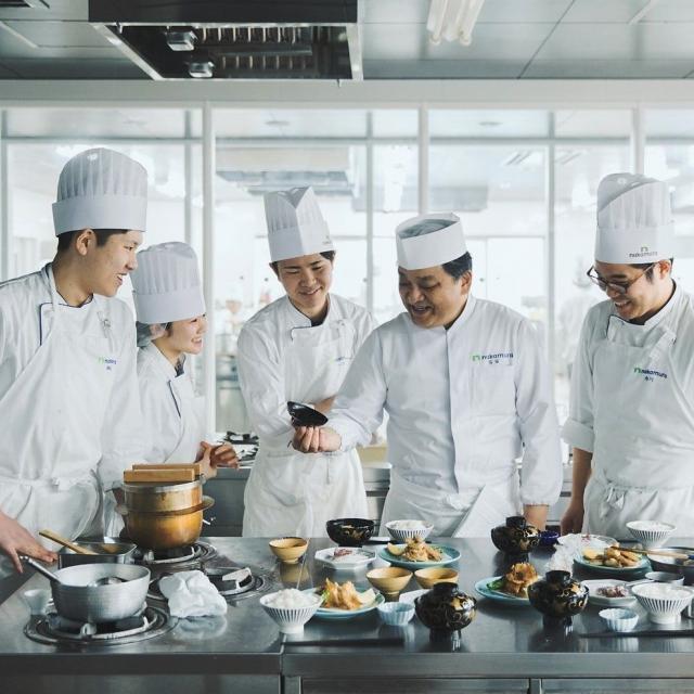 中村調理製菓専門学校 【調理コース】中華料理を美味しく作ろう♪若鶏の唐揚げ&担々麺3