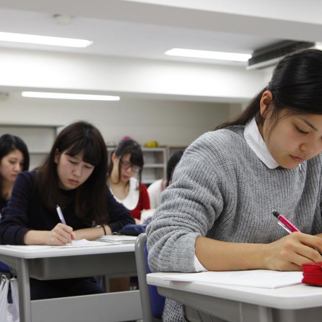 東京栄養食糧専門学校 一足早いクリスマススイーツ【ランチ付】3
