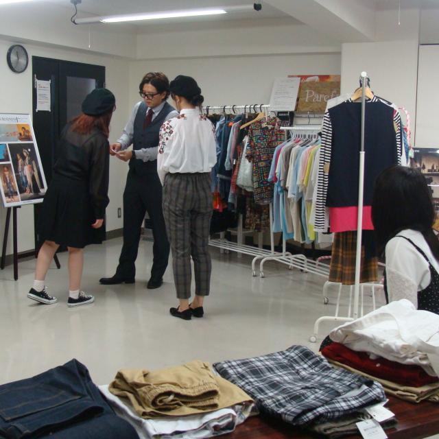 ファッション文化専門学校DOREME 販売員をバーチャル体験!接客ロールプレイング3