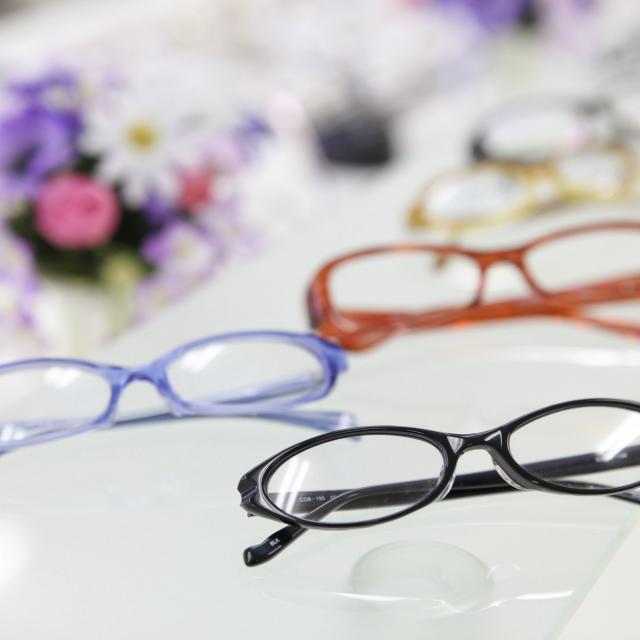 専門学校 ワールドオプティカルカレッジ メガネ作り体験1