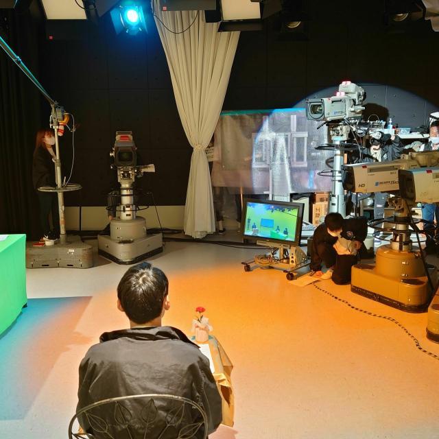 読売理工医療福祉専門学校 【放送映像学科】本格設備のスタジオで番組制作を体験!3