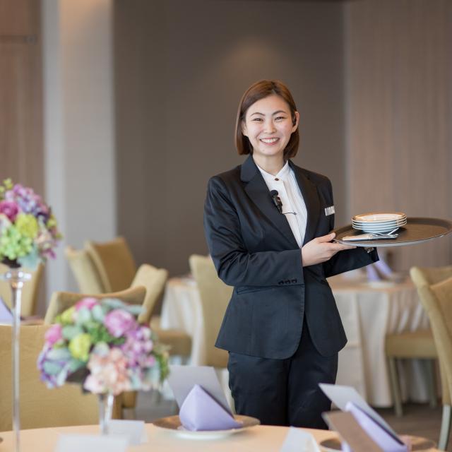 西鉄国際ビジネスカレッジ ホテル・ブライダル・航空・鉄道・旅行のすべてがわかる!1