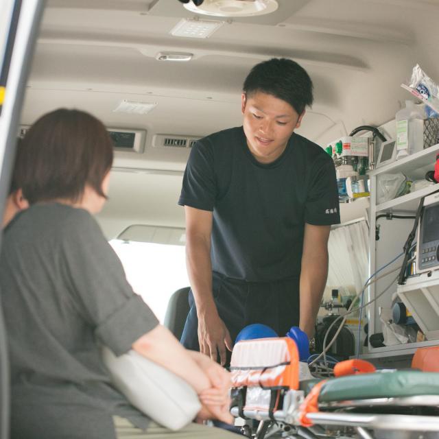 新潟医療福祉大学 【救急救命士】の仕事体験!心肺蘇生体験をしてみよう!2
