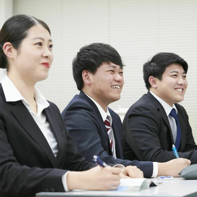トライデント外国語・ホテル・ブライダル専門学校 エアラインの職種大研究!1