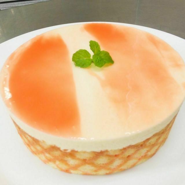 広島会計学院ビジネス専門学校 楽しく一人一台『白桃のケーキ』を作ろう♪1