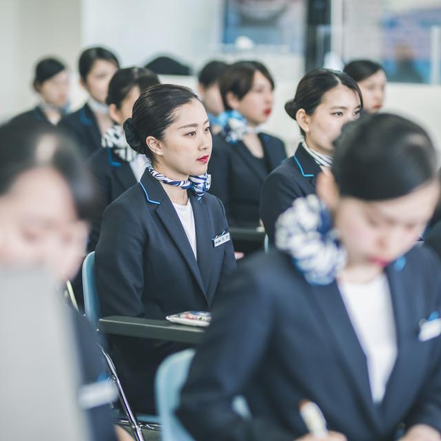 札幌観光ブライダル・製菓専門学校 キャビンアテンダント・グランドスタッフを目指そう☆4
