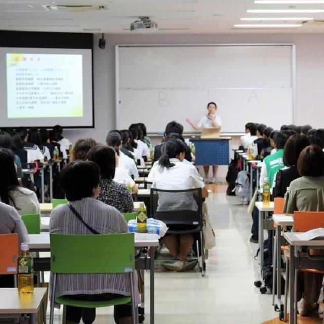 専門学校 北九州看護大学校 実技にチャレンジ!4